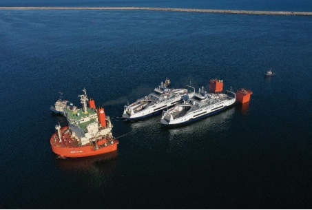 De nouveaux navires arrivent de Roumanie